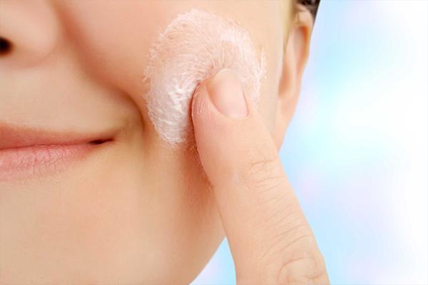 Tone up and moisturize
